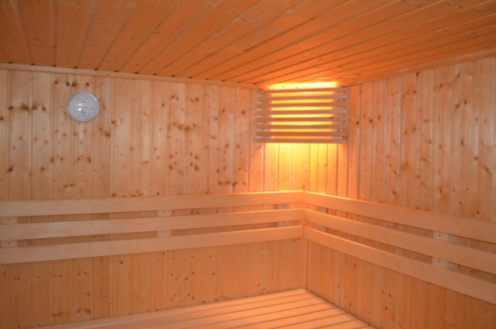 far infrared saunas offer a wide range of health benefits